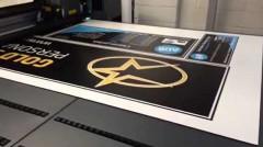 digitalna-stampa-swa-tim-stampa-na-plocastim-materijalima-karton-pena-foam2